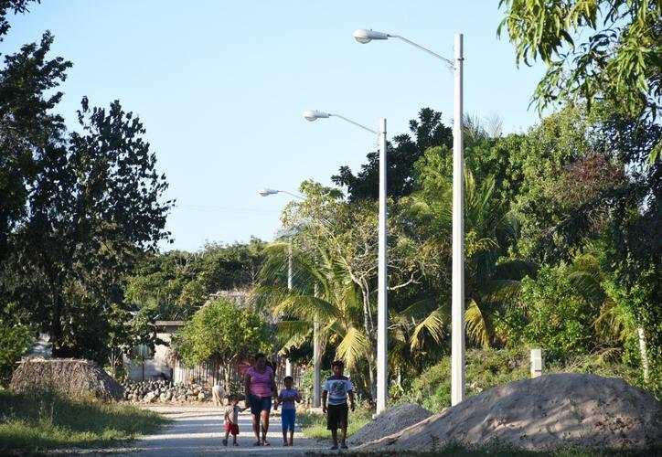 La CFE le 'apaga la luz' a cuatro comunidades mayas de Q. Roo