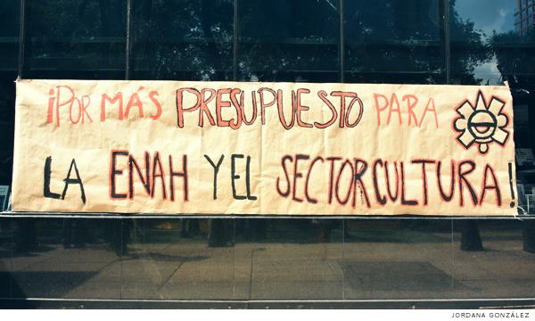 Estudiantes exigen a la Secretaría de Cultura más presupuesto para la ENAH (Ciudad de México)