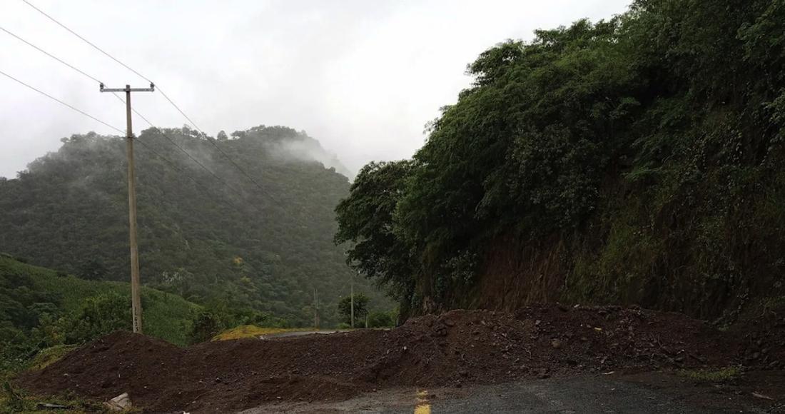 Del Balsas a la sierra, cientos lo dejan todo en Coyuca, Guerrero, acosados por grupos violentos