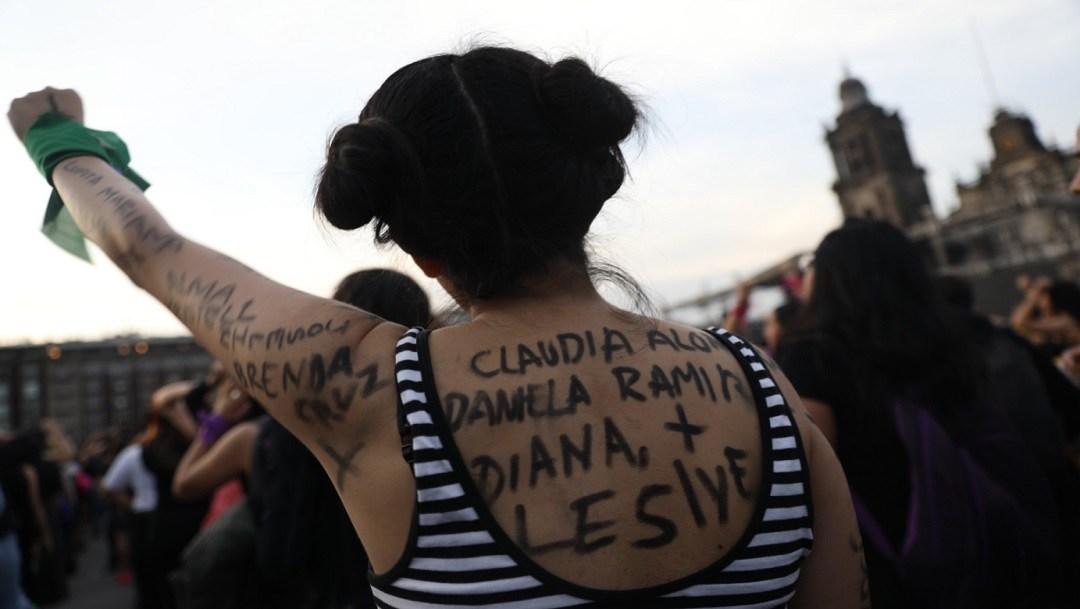 'Un violador en tu camino' cimbra el Zócalo; así se adaptó en México la protesta global (Ciudad de México)