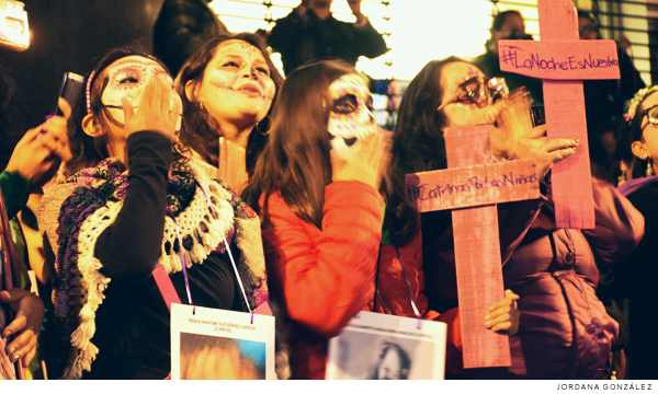 Con marcha luctuosa, recuerdan a víctimas de feminicidio (Ciudad de México)