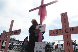 Marchan mujeres en Neza contra el feminicidio; el delito ha crecido casi al doble en el segundo semestre (Estado de México)