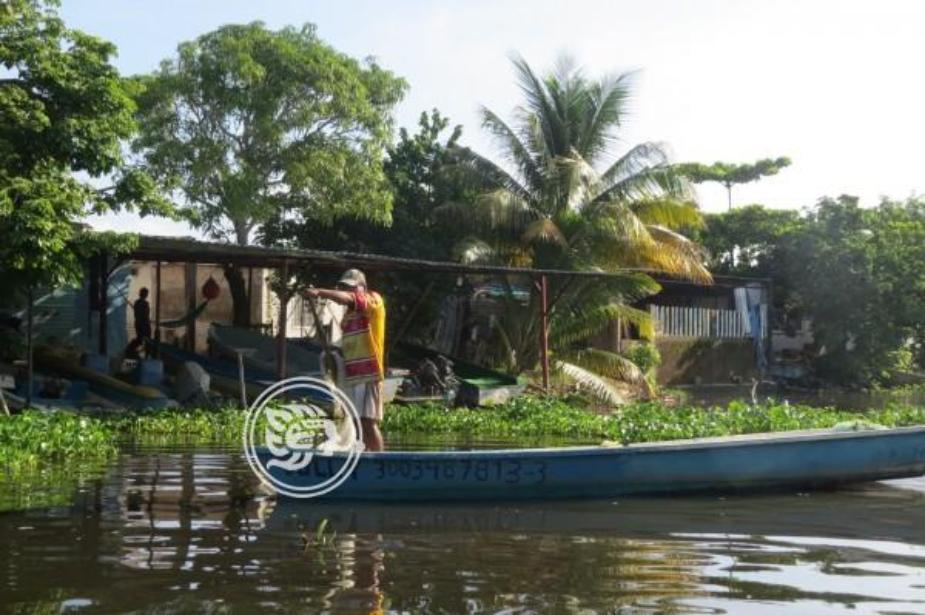 Pescadores afectados por derrames y contaminación del río Coatzacoalcos (Veracruz)