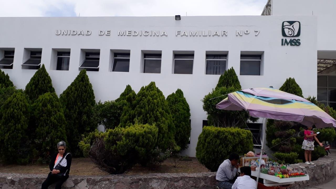 Denuncian la falta de limpieza de las clínicas del IMSS en San Juan del Río; urge personal de intendencia (Querétaro)