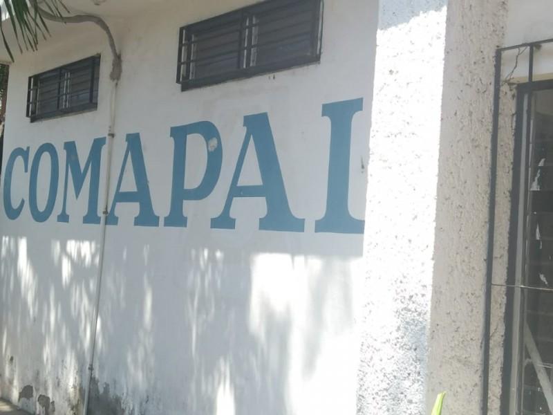 Habitantes de Armería bloquean carretera en demanda de agua; llevan casi un mes sin servicio (Colima)
