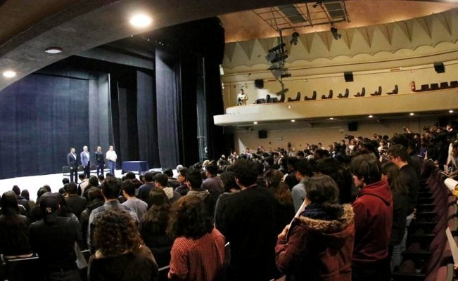 Estudiantes exigen disculpa pública a gobernador de Guanajuato por omisión en asesinatos