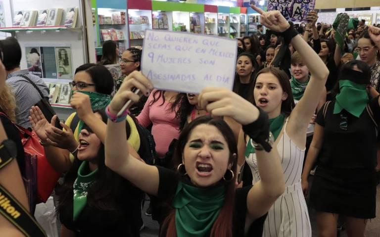 """Un violador en tu camino"" resonó en la FIL Guadalajara (Jalisco)"