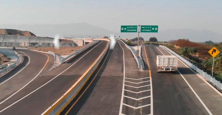 Bloquean de nuevo autopista Siglo XXI (Morelos)