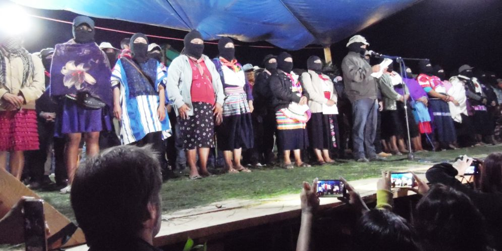 """EZLN: """"Hoy como hace 26 años no nos dejan otro camino. Seguiremos organizando la lucha por la autonomía"""""""