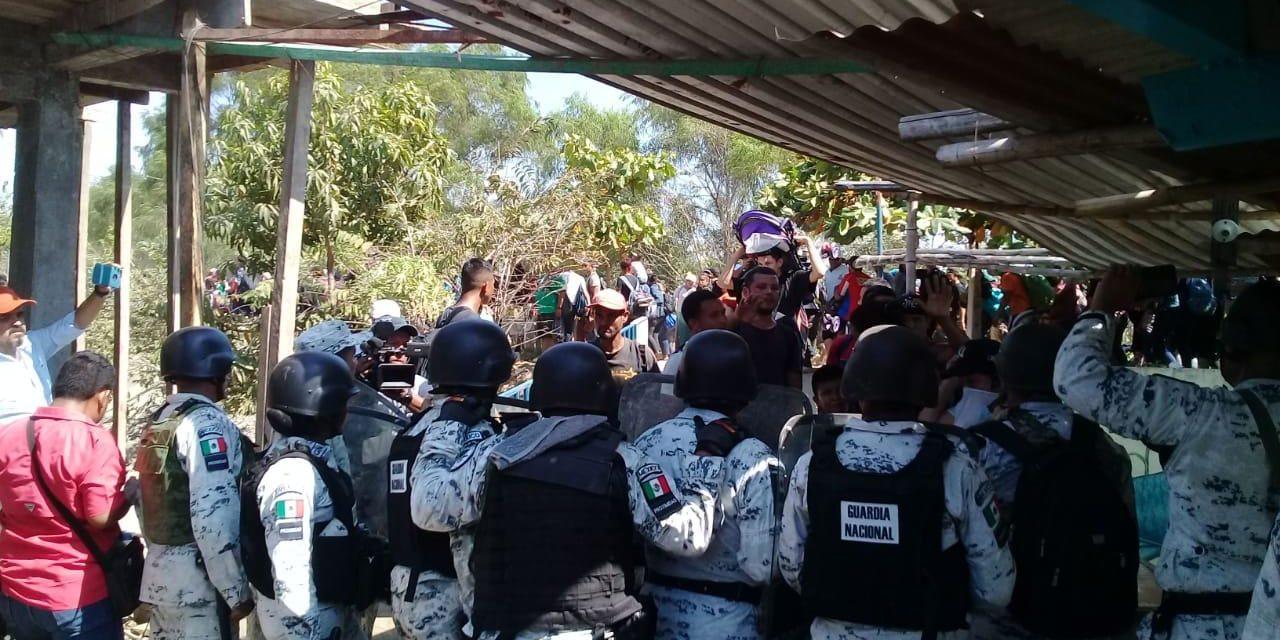 """México da la bienvenida a la Caravana Migrante 2020 con """"fuerza bruta, gas lacrimógeno y represión"""": Pueblo Sin Fronteras"""