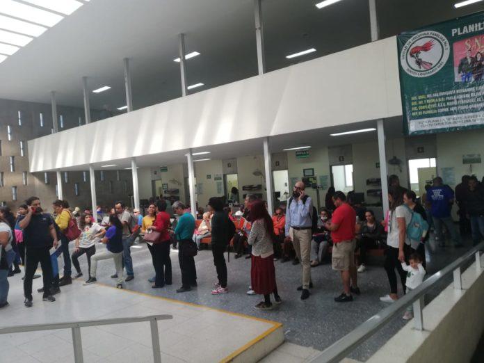 Derechohabientes de la Unidad Medicina Familiar 2 del IMSS denuncian falta de medicamentos (Jalisco)