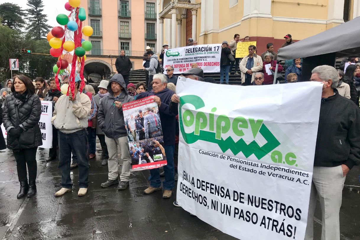 Pensionados exigen cárcel para exfuncionarios por agresión de 2015 (Veracruz)