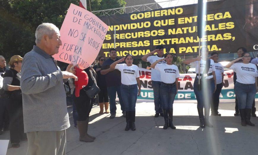 """""""¡Mi agua no se vende!"""" claman en Baja California al reactivar protestas contra Constellation Brands"""