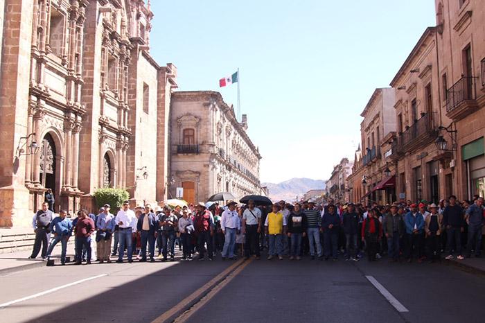 Se adeudan 800 mdp a trabajadores, reclama el Frente Cívico Social (Michoacán)