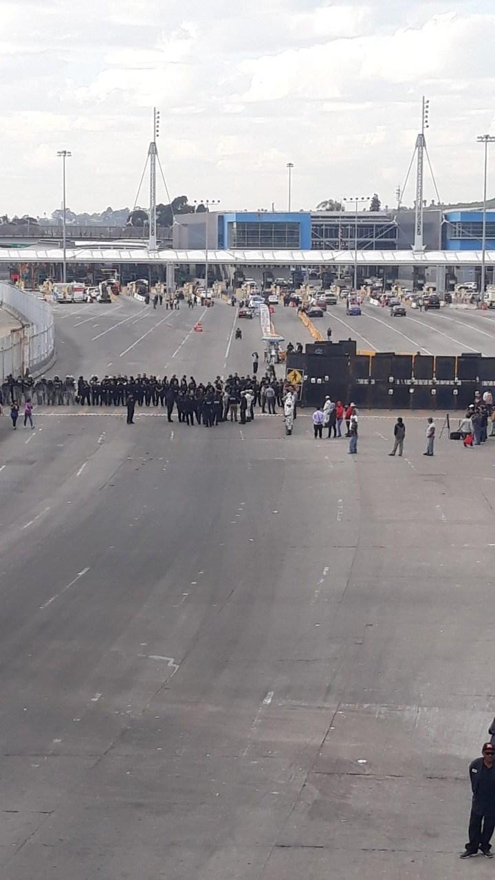Cierran frontera de Tijuana por protestas de la violencia contra mujeres en México (Baja California)