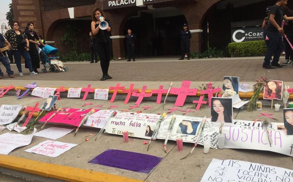 Marcha en memoria de joven asesinada en Coacalco (Estado de México)