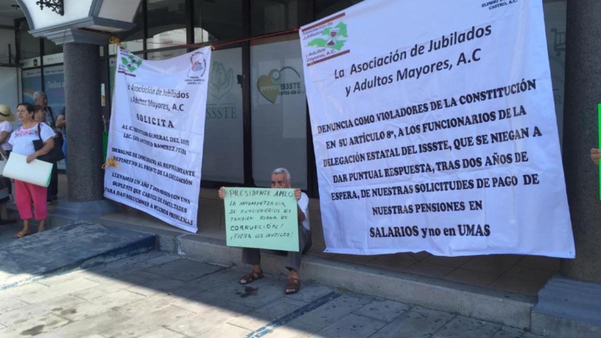 Asociación de Jubilados y Adultos Mayores exigen a ISSSTE Colima pago justo de pensiones