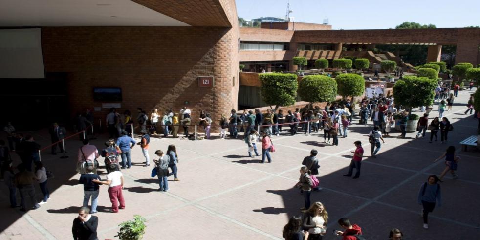 Alumnas de la Ibero denuncian a compañero de maestría, es sacerdote (Ciudad de México)