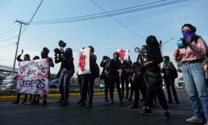 Con cacerolazo, protestan contra los feminicidios en Ecatepec (Estado de México)