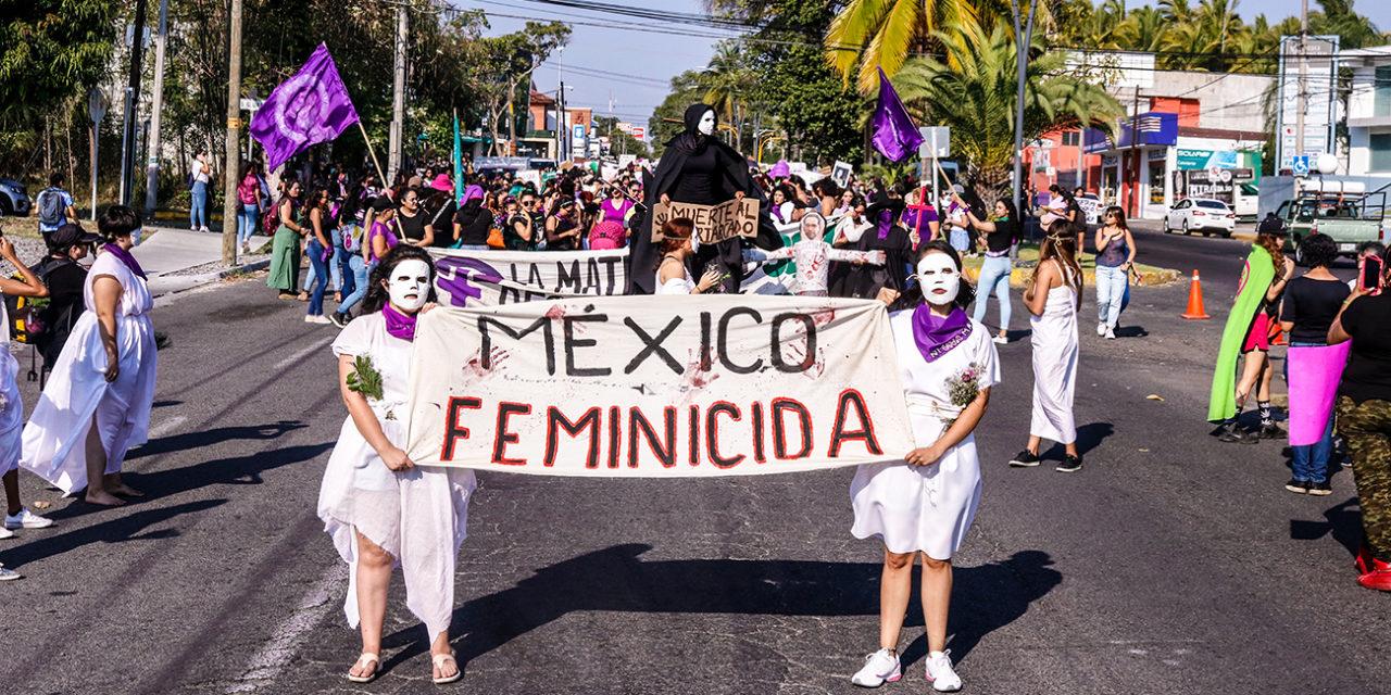 Marcha sin precedentes en Colima: 8m reúne a más de 5 mil mujeres