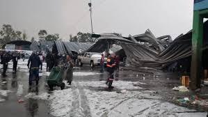Se derrumban techos de naves de la Central de Abasto por granizada; hay 1 herido (Ciudad de México)