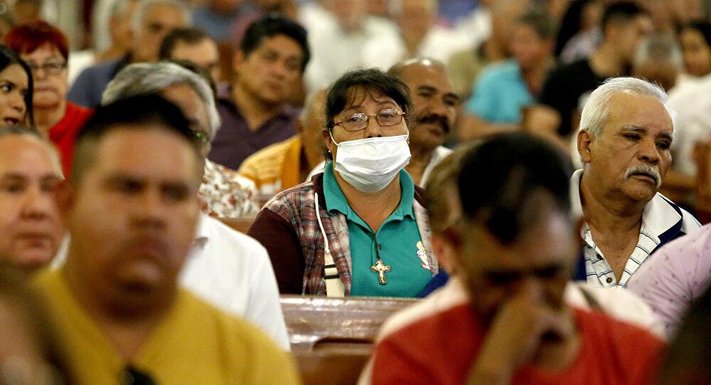 México se enfrenta a protesta de refugiados que temen contraer COVID-19 en reclusión