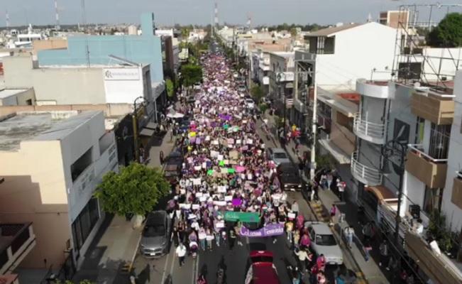 Miles de mujeres claman justicia en Aguascalientes