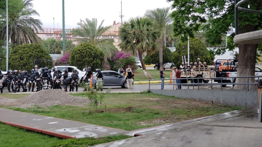 Tras motín, concentran a migrantes en instalaciones del INM en el Puente Internacional II (Coahuila)