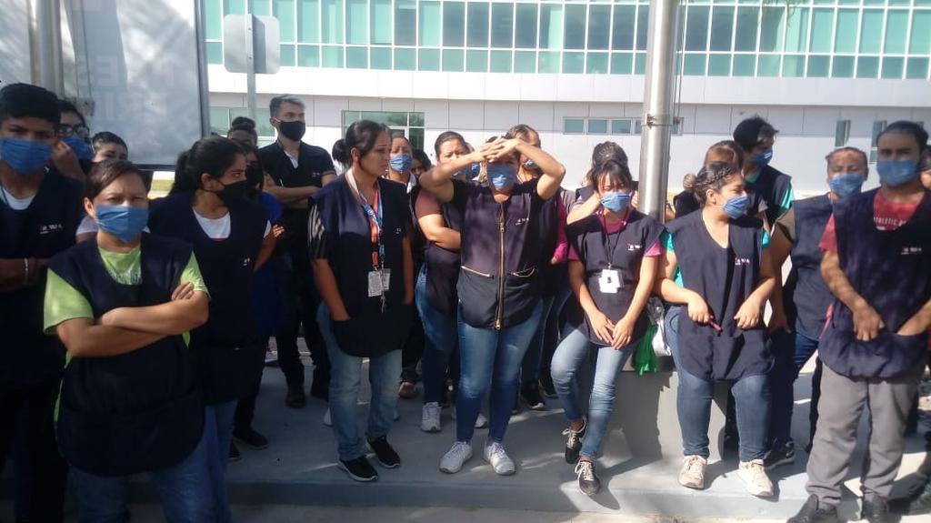 Protestan trabajadores por temor a contagio de COVID-19 (Coahuila)