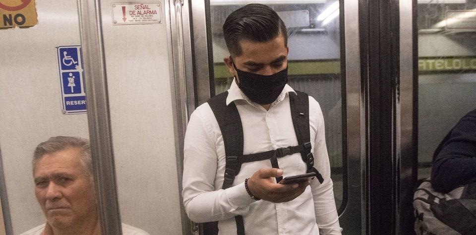 """Acatamos órdenes, pero tenemos miedo"": Trabajadores son forzados a ir a oficinas con riesgo de contagio"
