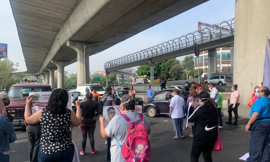 Con bloqueo, personal médico de Hospital pediátrico exige atender brote de covid-19 (Ciudad de México)