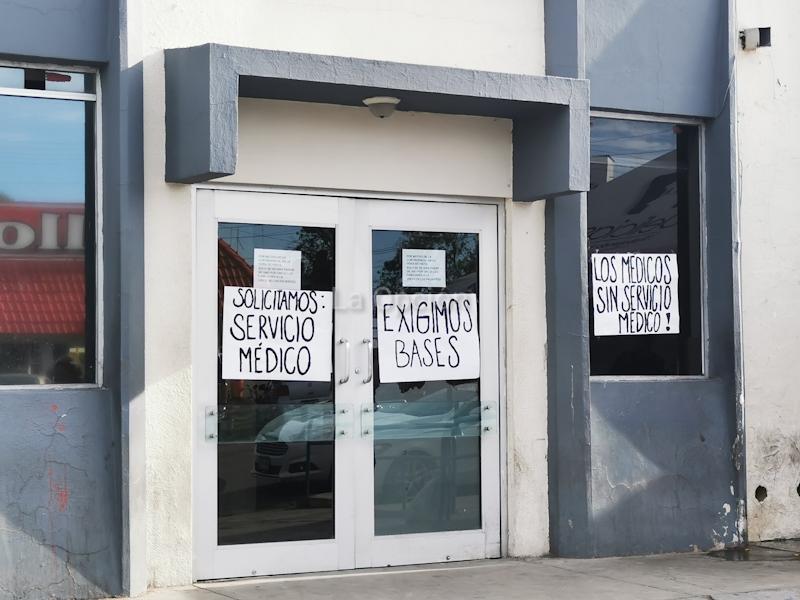 Protestan médicos del hospital regional en Delicias (Chihuahua)
