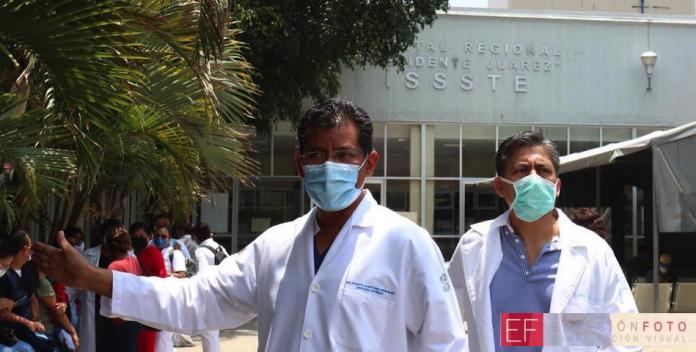 Personal del ISSSTE presenta amparo por falta de equipo y exige renuncia del director (Oaxaca)