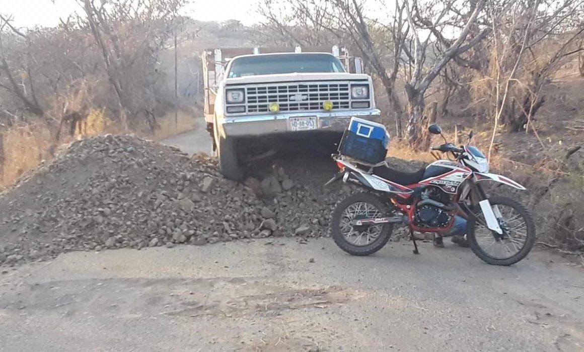 Por miedo al Covid 19 cierran accesos a municipios del sur de Edomex