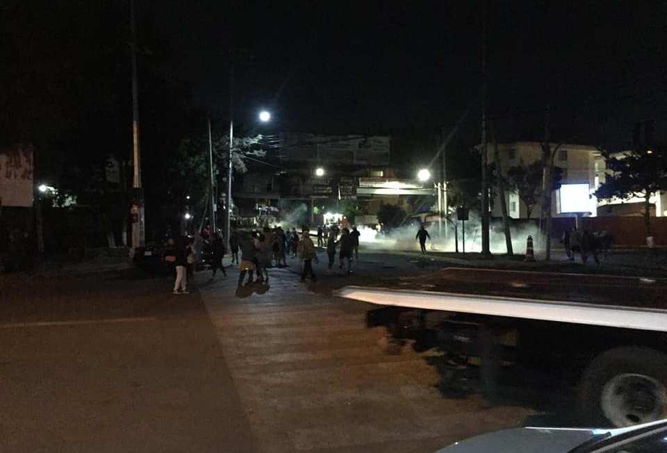 Talan árboles y granaderos agreden a vecinos en Lomas de Atizapán en plena contingencia (Estado de México)