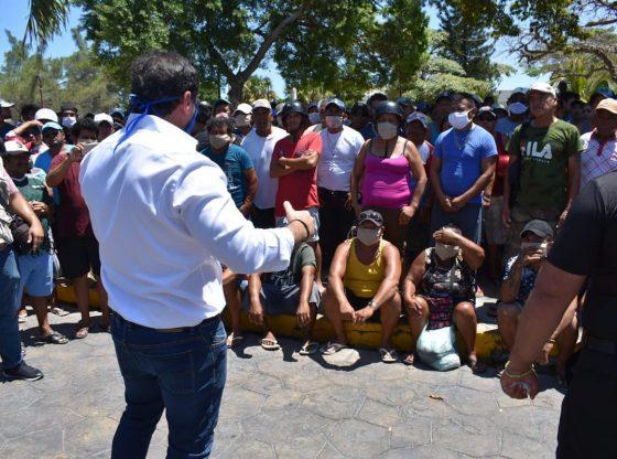 Desesperados por la contingencia, pescadores protestaron en Progreso