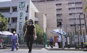 Reconoce IMSS déficit de monitores de signos vitales