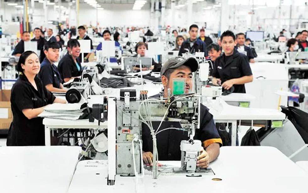 Desempleo y precarización del trabajo en la industria maquiladora en el contexto de la pandemia.
