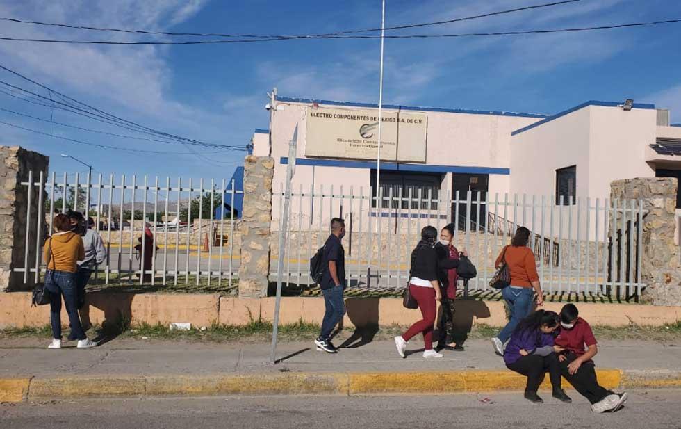 Paran empleados de maquila labores; exigen cuarentena pagada al 100% (Ciudad Juárez)