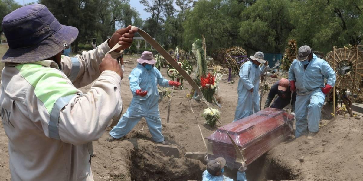 50% de las víctimas por Covid-19 en la CDMX eran empleados, amas de casa y tianguistas