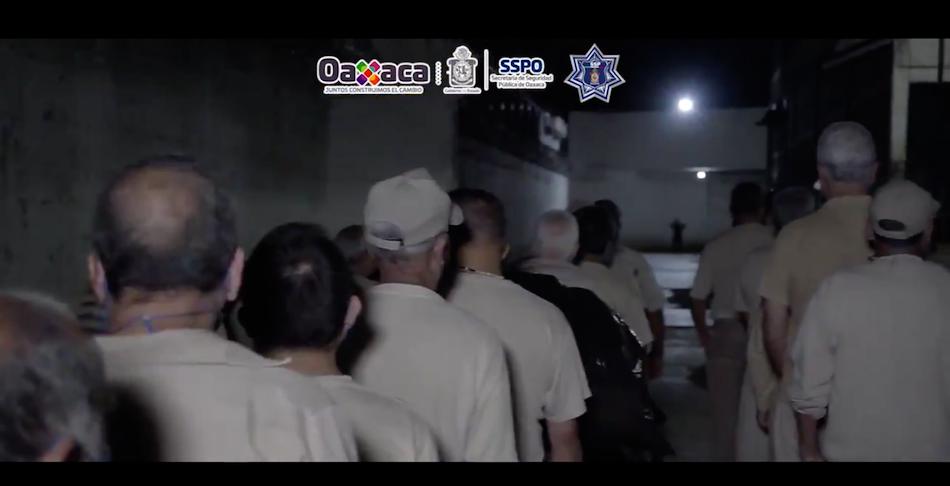 Trasladan a 49 presos al penal de Tanivet ante riesgo de contagio por Covid-19 (Oaxaca)