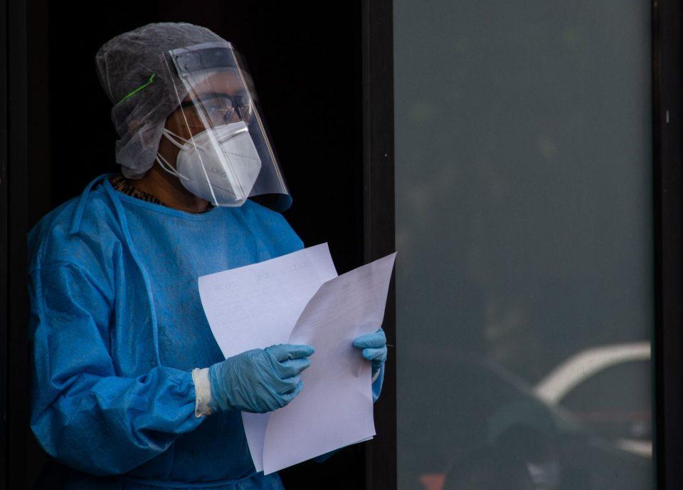 """Cirujanos se niegan a atender pacientes COVID; """"nos están abandonando"""", acusan internistas (Ciudad de México)"""