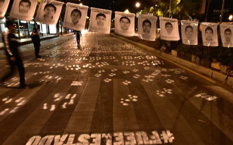 Exigen justicia para los 43 normalistas a 68 meses de su desaparición (Ciudad de México)