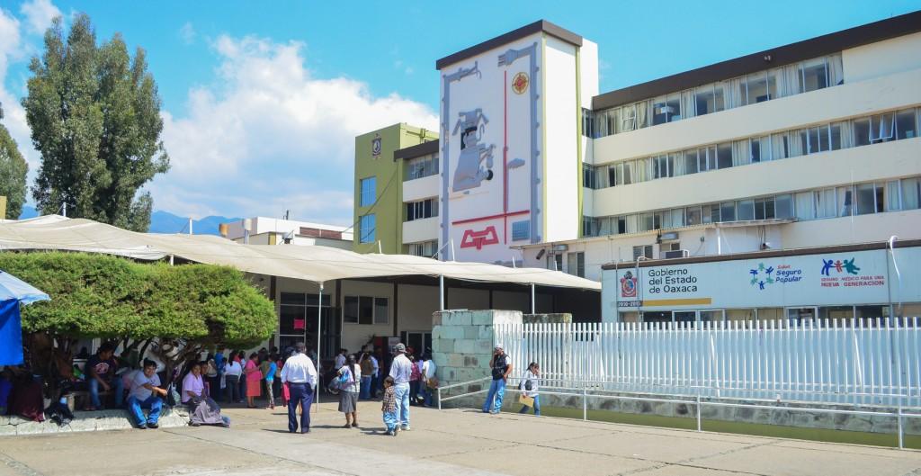 Ante colapso de hospitales, habilitan red hospitalaria para atender pacientes de coronavirus en Oaxaca