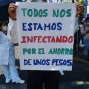 TRABAJADORES DEL INER PROTESTAN PARA EXIGIR EQUIPO ADECUADO PARA ATENDER LA PANDEMIA DE COVID-19