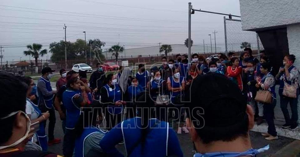 """Trabajadores de """"maquilas"""" en Reynosa paran labores por Covid-19"""
