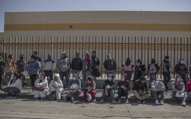 Regresan a trabajar en las maquiladoras (Baja California)