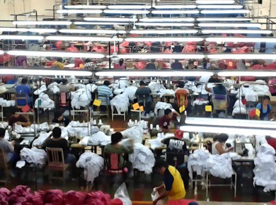 Maquiladoras fabrican cubrebocas con empleados en grupo de riesgo (Yucatán)