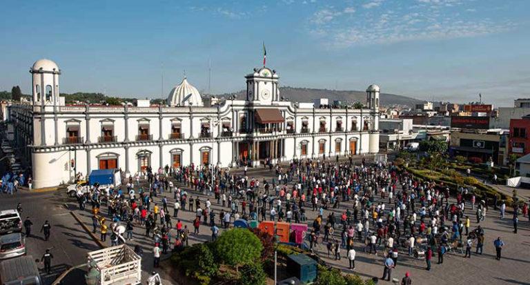Músicos se manifiestan en Palacio de Gobierno (Nayarit)