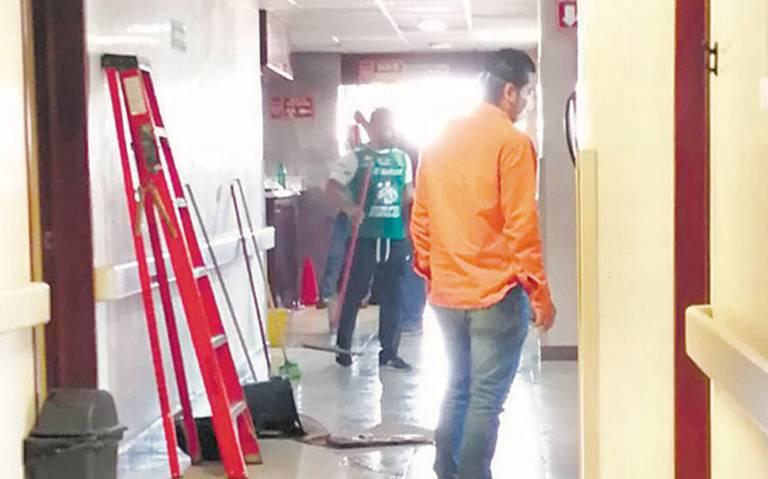 Hospital de Pemex en Tabasco se inunda con aguas negras